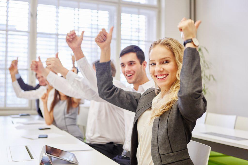 رابطه کارمندان موفق و محیط کار ایده آل